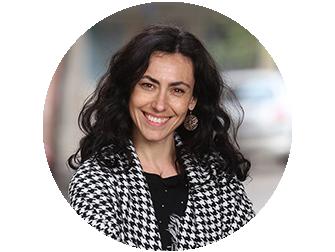 <strong>Anita Barros</strong></br> Actriz, profesora, </br>y vocal coach